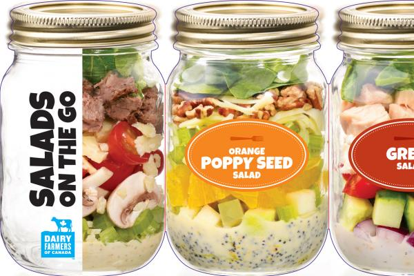 Salads in a jar with oranges and poppy seeds