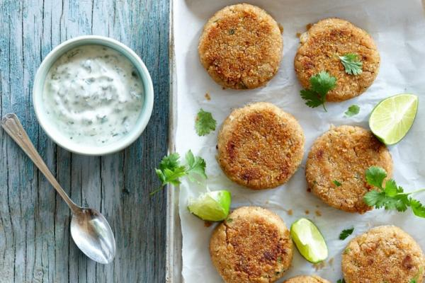 crab cakes with lime cilantro yogurt
