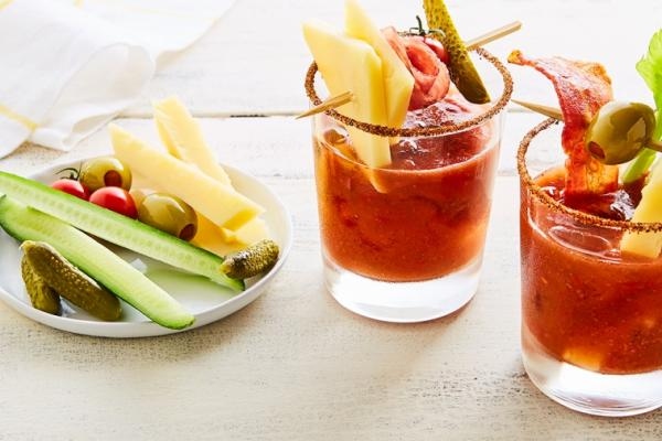 tomato strawberry mary