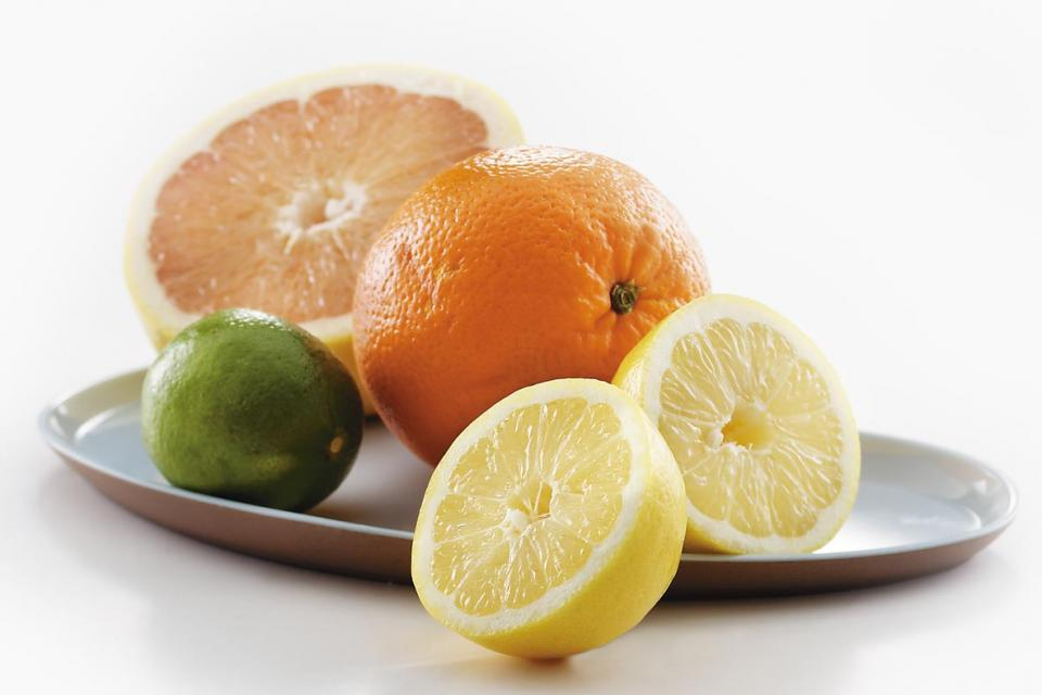 Agrumes : pamplemousse, orange, citron et lime