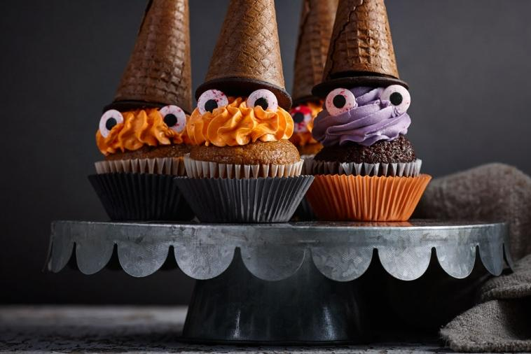 spooky witches cupcakes